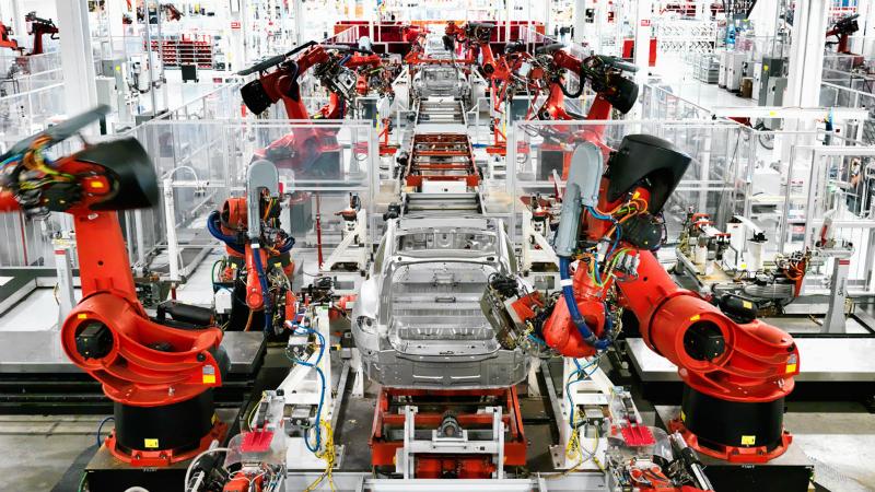 robots-tesla